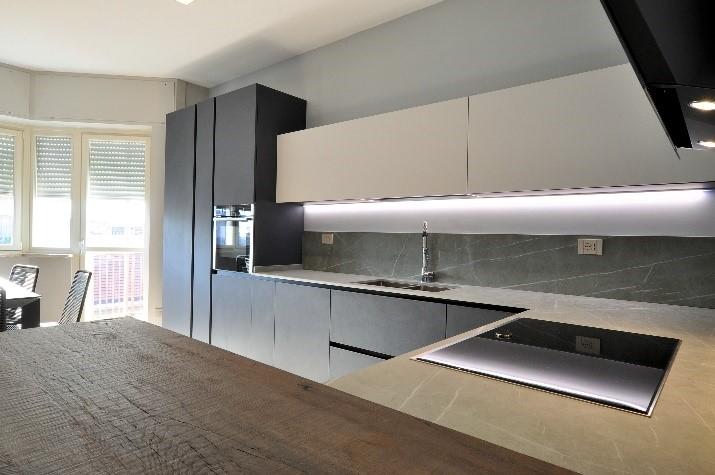 realizzazione di una cucina ad angolo